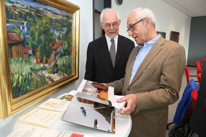 Stifter Michael Lezius (links) und Helge Adolphsen (ehem. Hauptpastor St. Michaelis); Pressekonferenz zur GrŸündung der Yagmur GedäŠchtnisstiftung