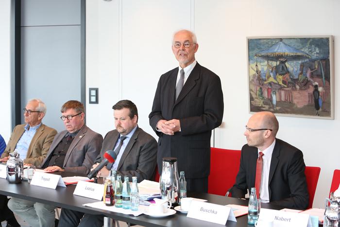 Pressekonferenz zur GrŸündung der Yagmur GedäŠchtnisstiftung