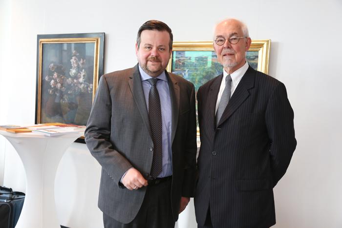 André Trepoll (CDU-Fraktionsvorsitzender, MdHB) und Stifter Michael Lezius; Pressekonferenz zur GrŸündung der Yagmur GedäŠchtnisstiftung